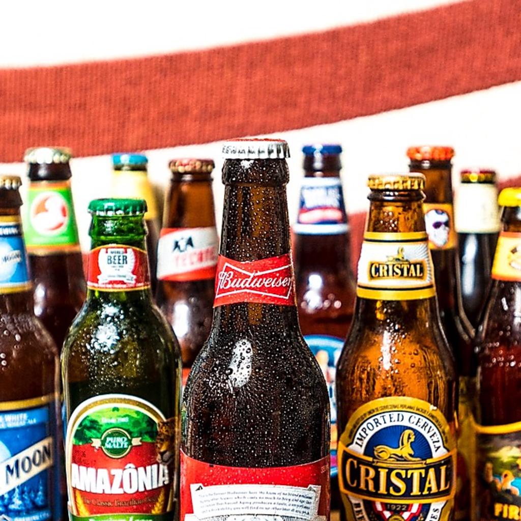 世界中から集められたビールがなんと常時約30種!きっとお好みのビールも見つかるはず!