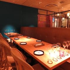 店内はテーブル席で構成されているので、人数やパーティーなどによってお席を臨機応変に対応することができます!