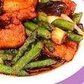 料理メニュー写真野菜炒め/海老ワンタンスープ