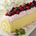 料理メニュー写真苺のロールケーキ