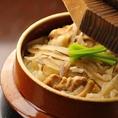 特製釜を使い皆様の前で炊き上げる釜飯は銀兵衛の文化です。
