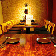 1F貸切はテーブル席と掘りごたつ半個室を合わせて着席で30名様までご利用可能です。