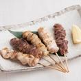 ◆焼酎、日本酒とよく合う『焼き鳥』をご賞味◆「国産串焼き 盛り合わせ5本」はビールとの相性は最高に抜群です!『もも・ねぎま・白モツ・鶏皮・レバー』の5本をご提供。お好みで塩・タレからお選び頂けます。迷った時の逸品料理としてもご注文ください!絶妙な味わいの焼き鳥、串焼きをお酒とご一緒にご賞味下さい!