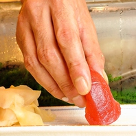 一流の職人が握る絶品寿司!しかも価格は一貫50円~♪