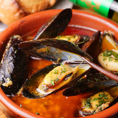 料理メニュー写真ムール貝の激辛アヒージョ