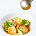 料理メニュー写真真鯛と帆立貝のソテー ブイヤベースソース