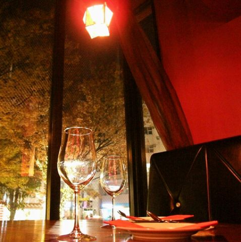 【2階】夜景が見えるカップルシート