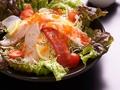 料理メニュー写真魚がし海鮮サラダ