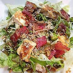 ベーコンとカマンベールのサラダ