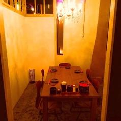 店内奥にある個室空間♪シャンデリアが光るお洒落空間は誕生日会や女子会にもおすすめです!