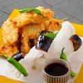 料理メニュー写真カレイの天ぷら フルール・ド・セル添え