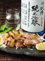 朝挽き親鶏とおすすめ日本酒各種