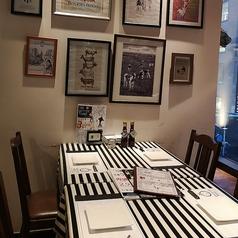 4名掛けテーブルでご家族連れや、仲の良い友人などでワイワイするのにおすすめな席です☆