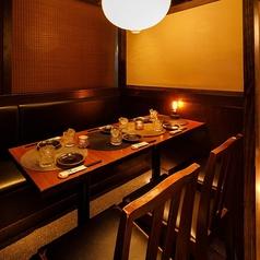 個室 地鶏炭焼 武蔵 綱島店の雰囲気1