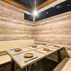 個室 肉魚バル アラタ ARATA 三宮店の雰囲気1