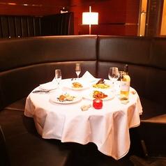 【ダイニングフロア】VIP席★カップルシート 大切な人とどうぞソファ席をご選択の場合、別途\1000(税別)/1名様のチャージ料金を頂戴致します。