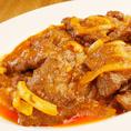 牛肉のカレー炒め(¥1200) サンバルソースにカレーを加えて炒めた1品。