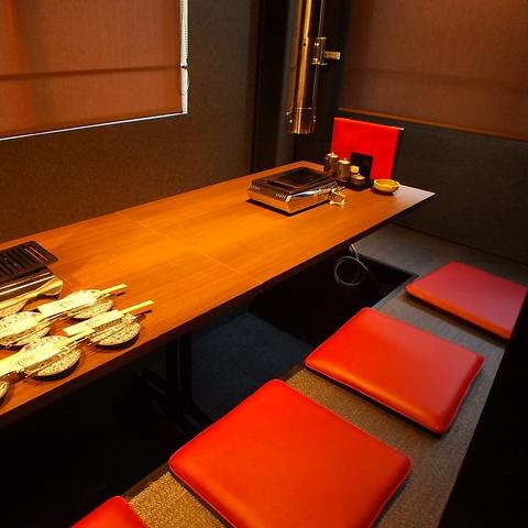 プライベート空間がしっかり整えられた完全個室です。個室チャージ料2500円がかかります。予めご了承ください。