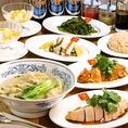 ヘルシーな蒸し鶏料理をはじめ、野菜をふんだんに使ったお料理など、女性にも男性にも嬉しいお料理の数々です!