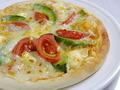 料理メニュー写真アボカドマルゲリータピザ