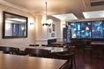 パリのカフェを思い起こさせる店内、しっとりとした大人空間です。