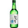 韓国の焼酎市場の50%以上を占める、人気の焼酎「チャム真イスル露(チャミスル)」!辛くて濃い韓国料理にぴったりのお酒といえば、焼酎(ソジュ)!日本でも「JINRO(真露)」でお馴染みの韓国焼酎ですが、地元ソウルでは真露から出ている「チャム真イスル露(略してチャミスル)」が大部分を占めています。