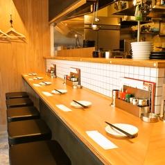 カウンターはデートや会社帰りのちょい飲み、お食事など使い勝手の良いお席♪お気軽にご利用ください。