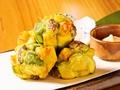 料理メニュー写真【名物】アボカドと海老のかきあげタルタルソース
