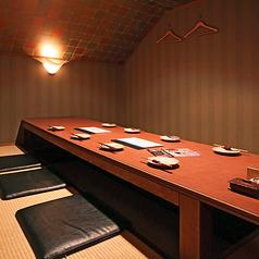 仲間内の宴会、接待などに最適な、8~10名様までの完全個室です。