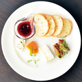 料理メニュー写真チーズのプレート
