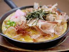 伝統の山芋鉄板焼き (お好み焼き風)