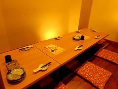 テーブル、仕切りは可動式なのでどんなご予約人数にも対応可能です。