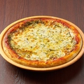料理メニュー写真マルゲリータピザ
