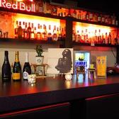 ゆったりとしたカウンターでお酒を楽しむのもGOOD!メニューにないカクテルでも提供できる場合がございますので、お気軽にお問合せください
