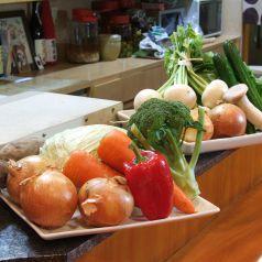 手作り野菜料理をカウンターで楽しめる!
