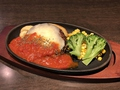 料理メニュー写真【バジルトマトハンバーグ】