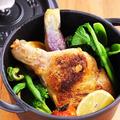 料理メニュー写真骨付き鶏もも肉のコンフィー