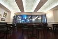 最大収容人数は50名様迄。30名様~応相談。天井は名物タジン鍋からイメージしたモスク調の天井装飾。間接照明の陰影がとてもいい雰囲気を醸し出しています。