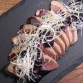 料理メニュー写真自家製マグレ鴨の生ハム ブルーベリーソース