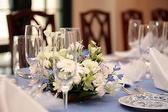 結婚式も行われる綺麗な内観。