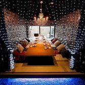 広々とした10名席。合コンや女子会・パーティーなどにぴったりです。テーブルも大きくて広いので全員の顔が見渡せるお席です。また、照明やデザインにもこだわっているので、雰囲気を大切にしたい飲み会などにも♪飲み放題付きコースも充実しています♪