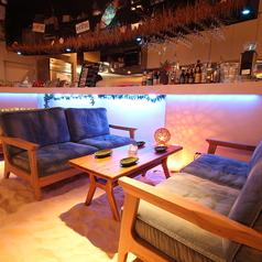 ジョバンニーズ 新宿東口店 アリービーチ ALEE BEACHの雰囲気1