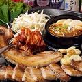 料理メニュー写真サムギョプサルセット 1人前(野菜セット・焼キムチ・もやし・ニンニク・エリンギ付)