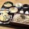 石臼挽き蕎麦と選べる小丼と天ぷら(丼1個)