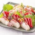 料理メニュー写真お刺身3種盛り合わせ(マグロ・ブリ・ホタテ)
