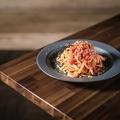 料理メニュー写真ベーコン&ナスのミートパスタ
