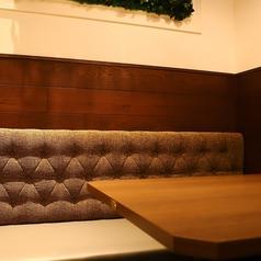温かな色の照明が雰囲気◎ 【梅田 ランチ 茶屋町 誕生日 女子会 チーズ 飲み放題 半個室 歓送迎会】 ※ご予約時のお席ご指定は承っておりません。予めご了承いただけますよう、お願い申し上げます。
