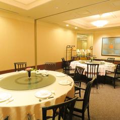 接待や顔合わせ、ご家族でのお食事会など幅広い用途にご利用いただける個室です。(4~28名)