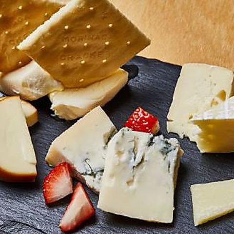 【チーズ好き必見】女子会やデートに♪チーズの前菜やチーズグラタンなど全10品3480円(税抜)