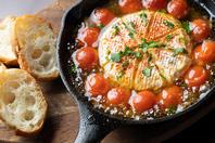 カマンベールチーズ&プチトマトのアヒージョ
